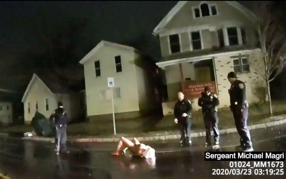 Despiden a jefe policial y reorganizan alcaldía de Rochester por muerte de Daniel Prude
