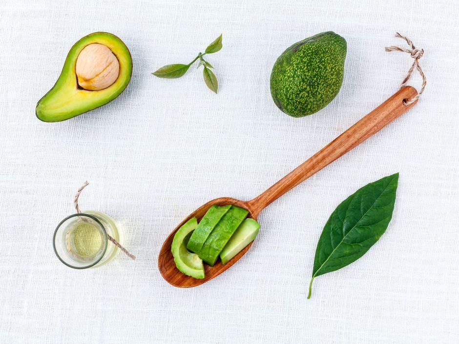 Todo lo que debes saber sobre cocinar con aceite de aguacate y sus beneficios medicinales