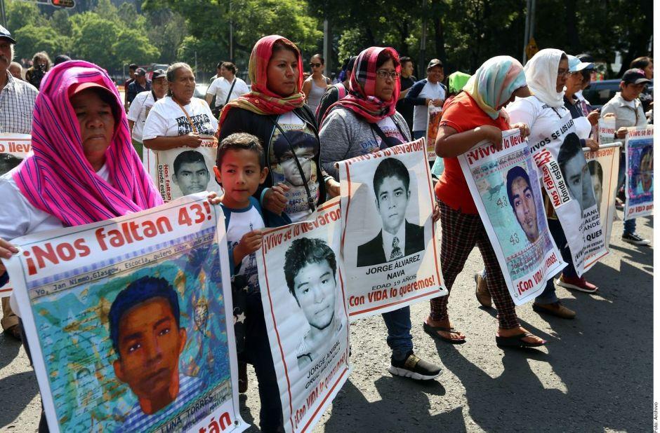 Exigen revelar videos sobre la desaparición de los 43 de Ayotzinapa