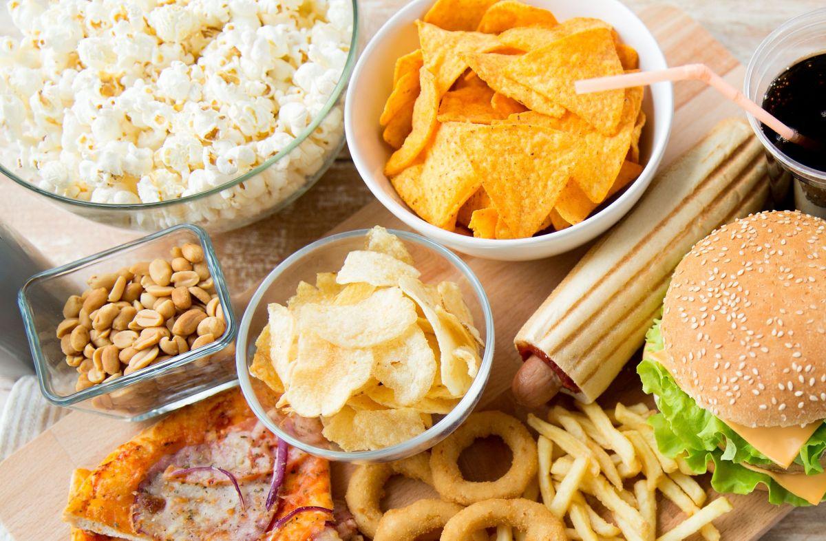 Un alto consumo de alimentos procesados, ricos en azúcar y carbohidratos refinados, aumenta el riesgo de síndrome metabólico y una larga lista de enfermedades crónicas.