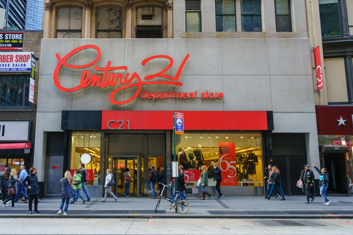Century 21 entra en bancarrota y liquidará sus 13 tiendas