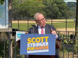Mujer acusa al contralor de NYC Scott Stringer de haberla acosado sexualmente en el 2001