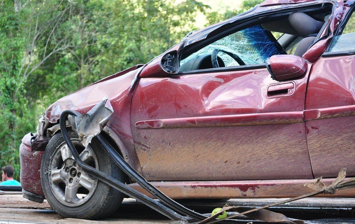 Cómo hacer una llamada de emergencia efectiva si tienes un accidente automovilístico
