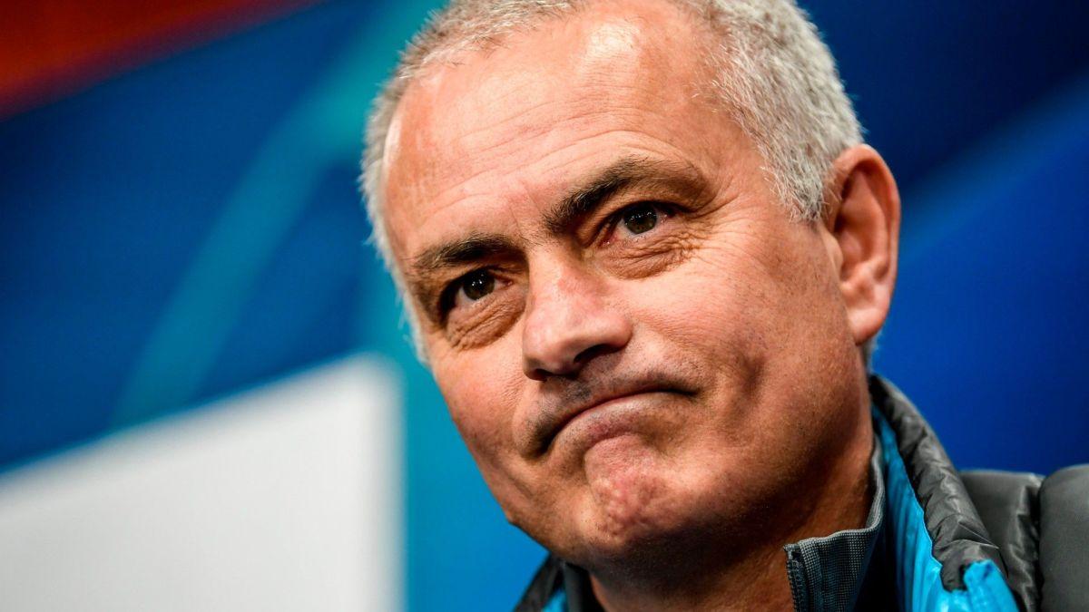 """José Mourinho explotó por el """"coqueteo"""" entre Leo Messi y el Manchester City"""
