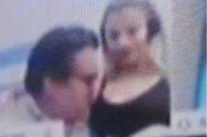 Diputado argentino renuncia al puesto tras besarle los pechos a mujer en sesión virtual del Congreso