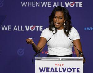 """Michelle Obama se pronuncia sobre primer debate presidencial e  insta a no """"dejar ganar"""" a Trump"""