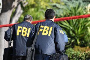 Agente hispano del FBI está acusado de intento asesinato