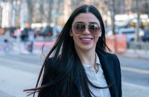 Emma Coronel, esposa del Chapo Guzmán, muestra la ropa con la que suda