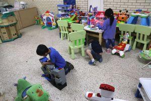 Más de 90 niños inmigrantes siguen detenidos por ICE pese a orden judicial