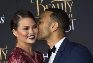 John Legend está sorprendido por lograr un embarazo sin fecundación in vitro al lado de Chrissy Teigen