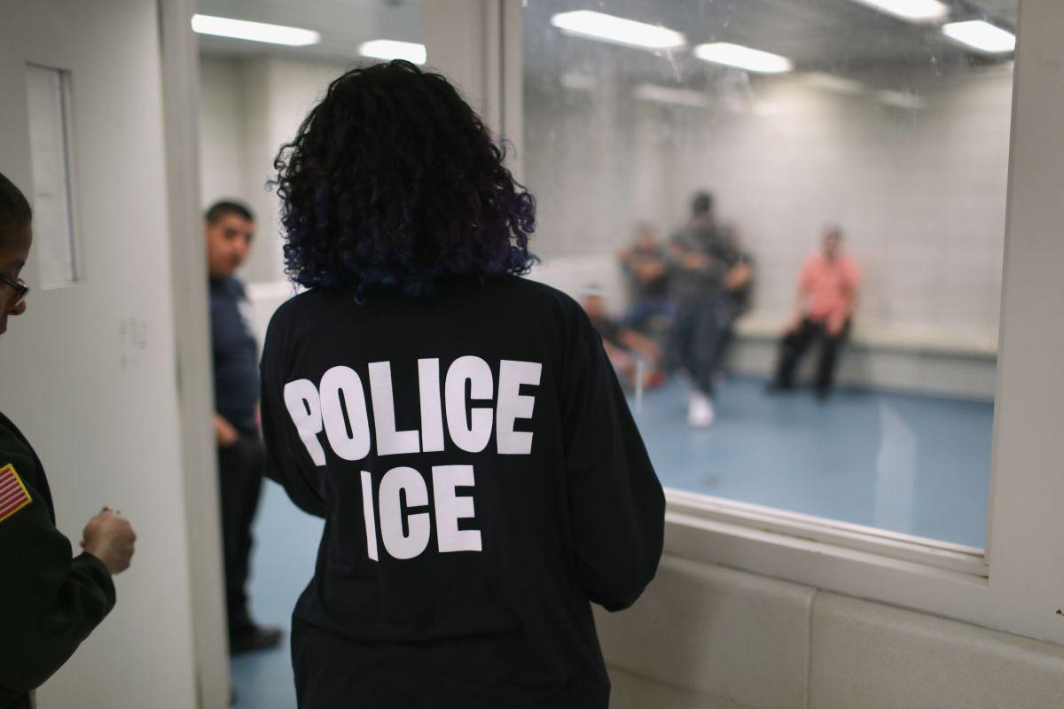 Casi cuatro años de prisión para un inmigrante del Bronx que mordió el dedo de un agente de ICE