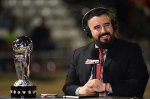Aficionados de Chivas y Pumas ya no soportan a Álvaro Morales y piden que lo corran de ESPN