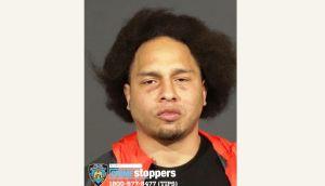 Hispano que apuñaló a su novia amenaza con matar a policías del NYPD y suicidarse