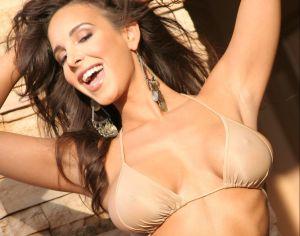 Mayra Verónica calienta el Halloween como la Wonder Woman más sensual