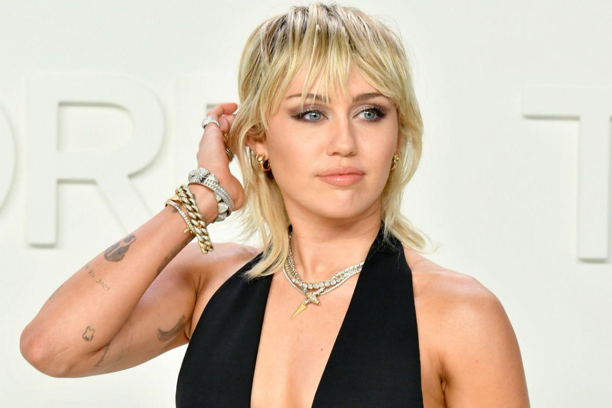 Miley Cyrus aseguró que fue 'perseguida' por un platillo volador