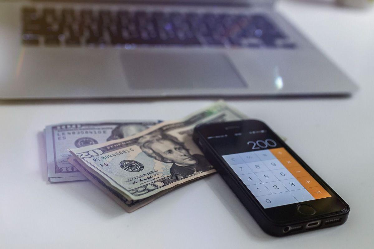 ¿Cómo el IRS te informará si recibirás más dinero por cheques de estímulo adeudados?