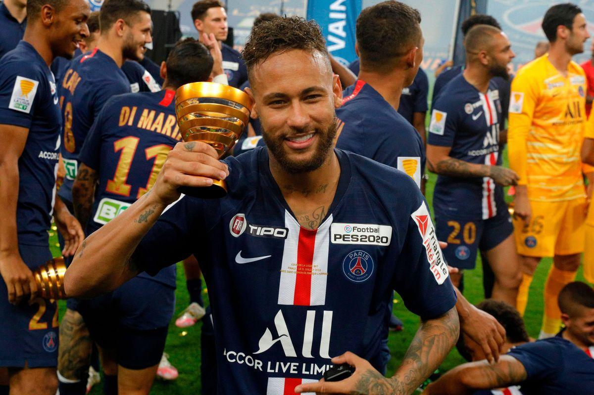"""""""El Rey ha vuelto"""": Después de 15 años con Nike, Neymar tiene un rugiente nuevo patrocinador"""