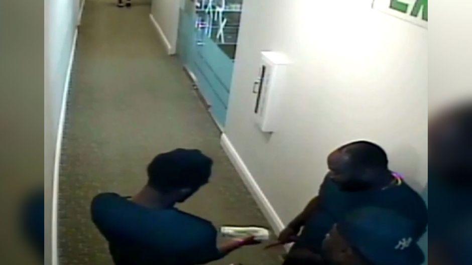Video revela posible soborno a un testigo tras el arresto de dos jugadores de la NFL en Miami