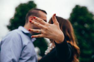 Celebraron con esta foto su compromiso; 5 minutos después, el novio murió