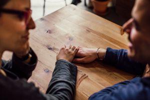 Tips para lidiar con una cita en tiempos electorales
