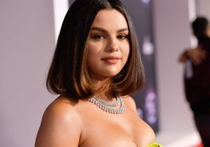 """When We All Vote"": la ropa de Selena Gomez para incentivar el voto"