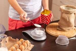 Las mejores básculas y tazas medidoras para preparar tus postres favoritos en casa