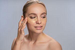 Las mejores opciones de parches adhesivos para prevenir la aparición de arrugas en la piel
