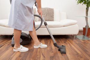 Hispana que trabaja como empleada doméstica en Texas se convierte en celebridad en Instagram gracias a sus consejos de limpieza