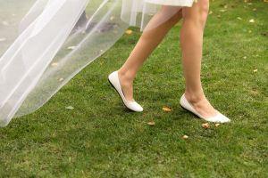 5 diseños de zapatos para novias que puedes reutilizar después de tu boda