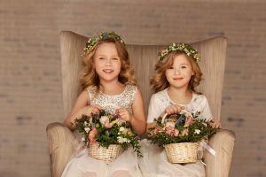 5 diseños de vestidos ideales para la niña de las flores en tu boda