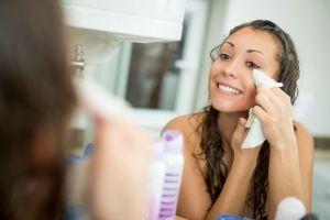 Los 5 mejores productos de ingredientes naturales para desmaquillarte sin maltratar tu piel