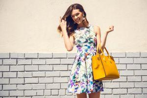 5 carteras reversibles y prácticas que combinarán con toda tu ropa