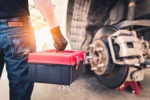Los 4 mejores juegos de herramientas que no pueden faltar en tu auto