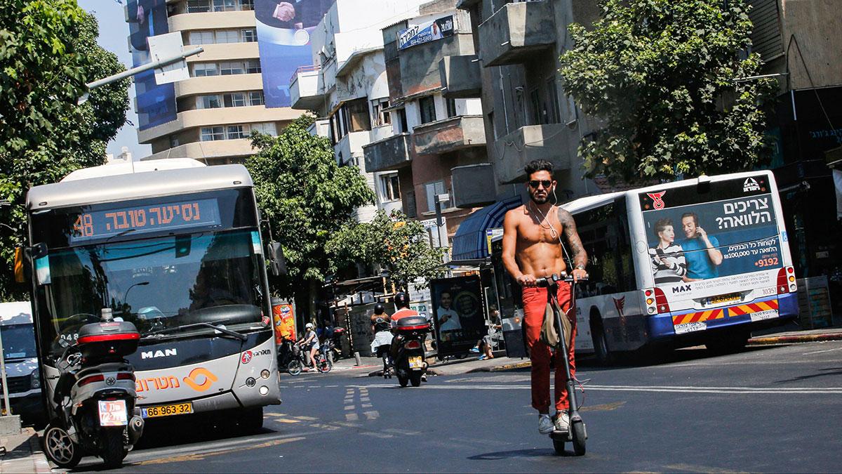 Tel Aviv se convierte en la primera ciudad con calles eléctricas para 'recargar' el transporte público