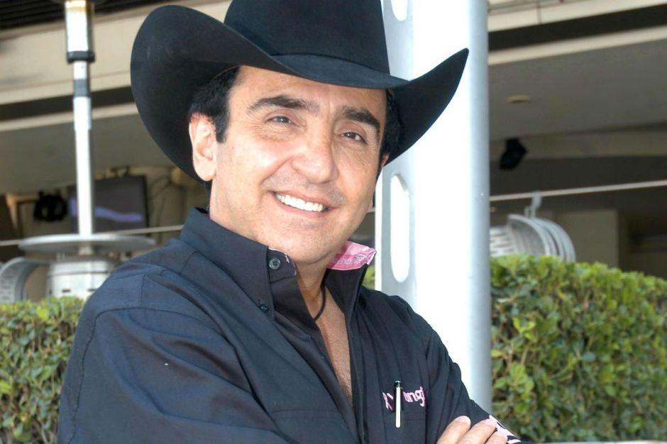 Vicente Fernández Jr. quiere casarse con Mariana González en 2021