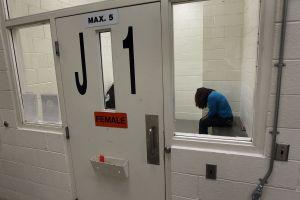 Congreso ordena inspección de cárcel de ICE por denuncias sobre extirpación de útero a inmigrantes
