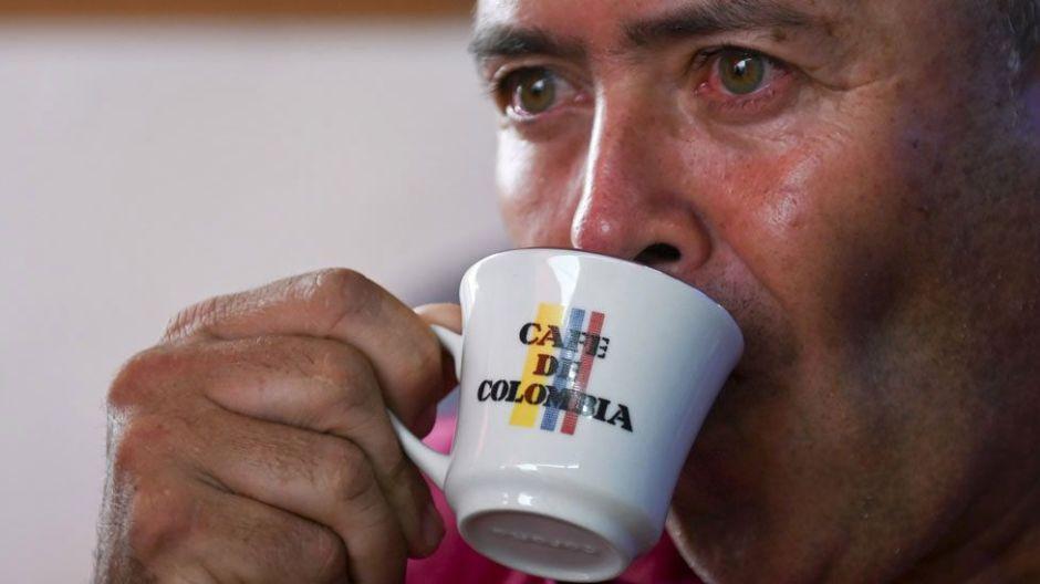 Por qué es importado y de baja calidad la bebida el que se toma en el país cafetero por excelencia