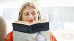 En qué momento dejamos de leer en voz alta (y los enormes beneficios que tiene hacerlo a viva voz)