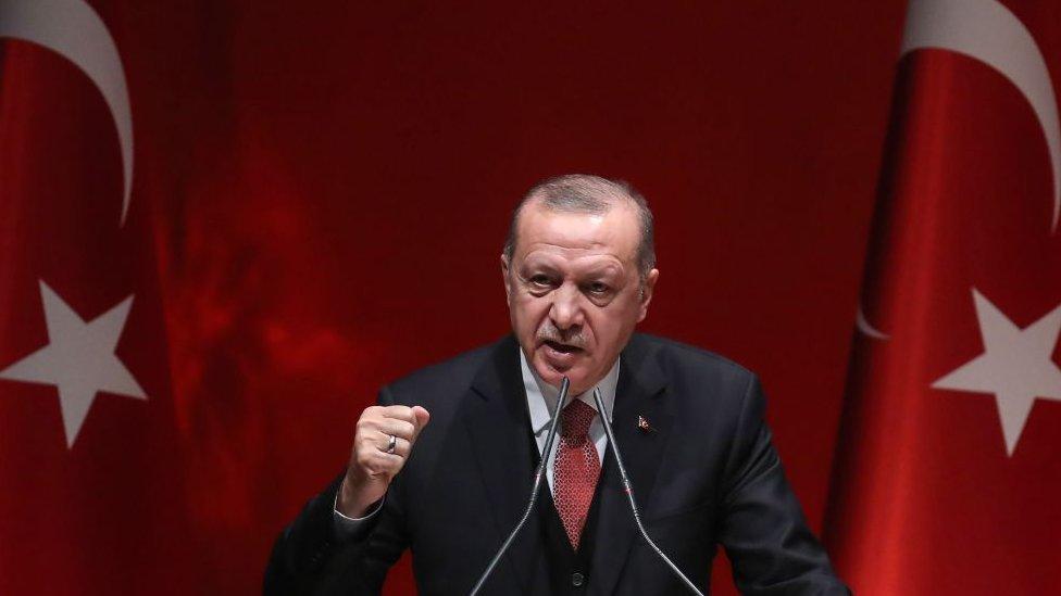 Cómo Turquía intenta recuperar la influencia del Imperio otomano y qué consecuencias tiene