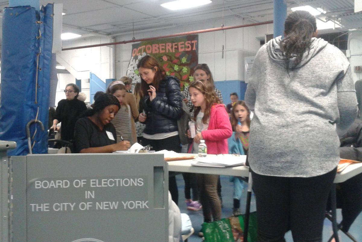 ¿Cómo inscribirse para trabajar en los centros electorales de Nueva York? Desempleados pueden sin perder beneficios