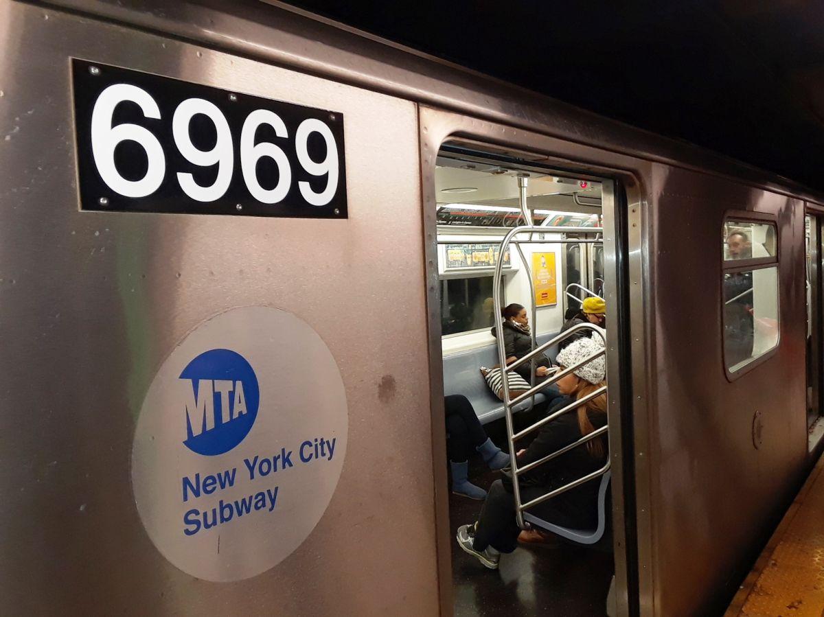 Pasajero baleado y abuela empujada a los rieles por un fumador: violencia sin freno en el Metro de Nueva York