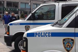 Nadie a salvo: policía apuñalado con tijeras en estación del Metro de Nueva York donde hay una comisaría