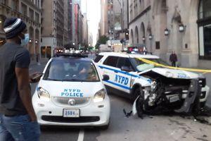 Falso vehículo de emergencia chocó con una patrulla NYPD: 2 policías y un civil heridos en Brooklyn