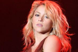 Shakira es acusada de seis delitos en España