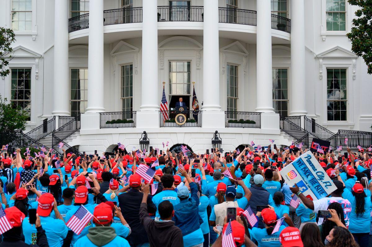 Podcast 'El Diario Sin Límites': El 'sui generis' escenario electoral con Trump enfermo de COVID-19