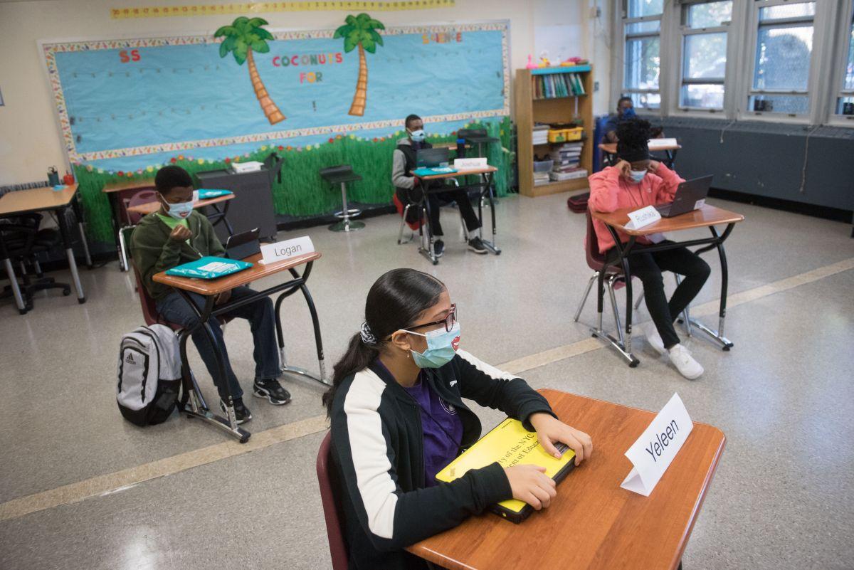 Solo 28 casos positivos en el primer ciclo de descarte de COVID-19 en 377 escuelas públicas de NYC