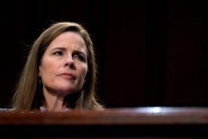 La jueza conservadora Amy Coney Barrett, propuesta por Trump, está a un paso de la Corte Suprema