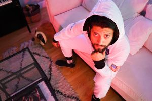 """Andremustdie estrena """"Eres Tú"""" e impacta con con la irreverencia de su videoclip"""