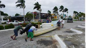 VIDEO: La impactante llegada del huracán Delta en Quinta Roo, podría recuperar fuerza en el Golfo de México