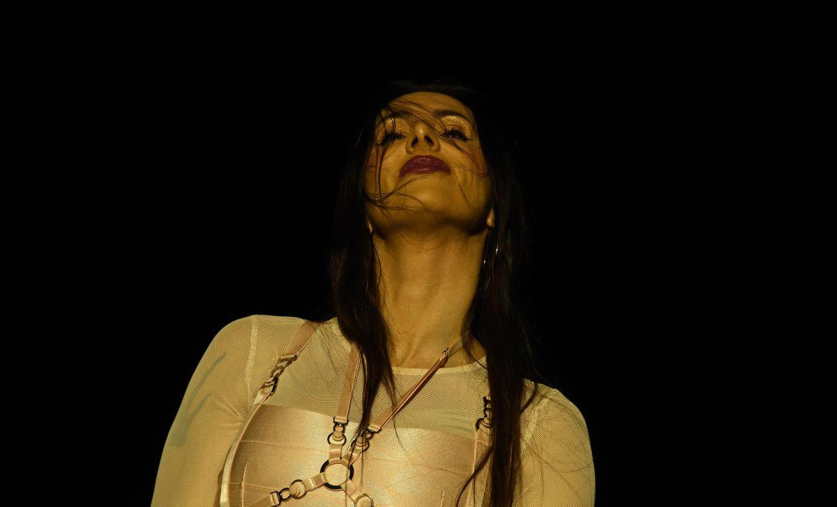 Curvas de infarto y un bikini diminuto; la sensual foto de La Mala Rodríguez